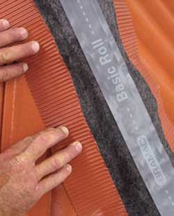 Bramac basic roll univerzális kúpalátét